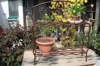 porte pots de fleurs blog de claude la ferronerie. Black Bedroom Furniture Sets. Home Design Ideas